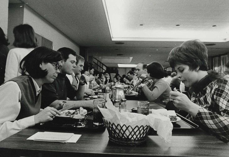 1960s: Students eating lunch