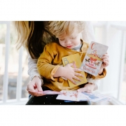 Helmsie-Baby-Flash-Cards-with-Child
