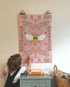 Helmsie-Bee-Poster-Print