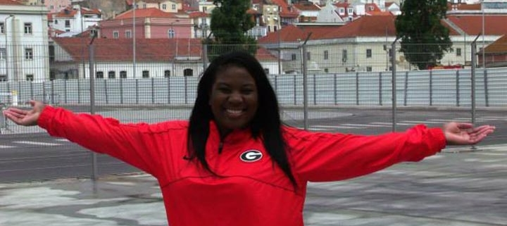 Ebonie Medious (AB '17) in France with the UGA à Paris study aboard program.