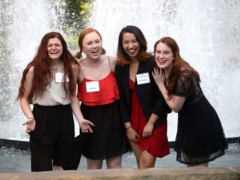 Girls in Fountain